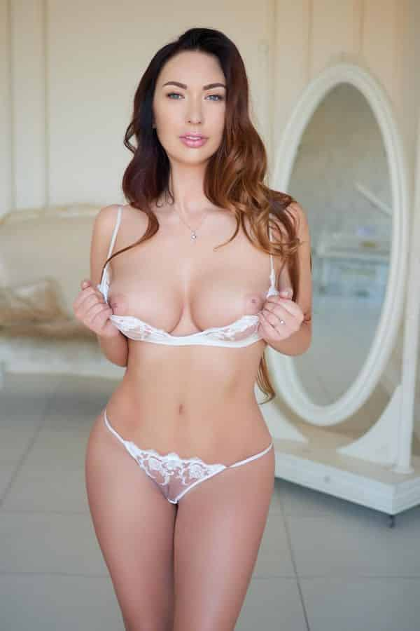 dreamgirls-escort-athens-naomi