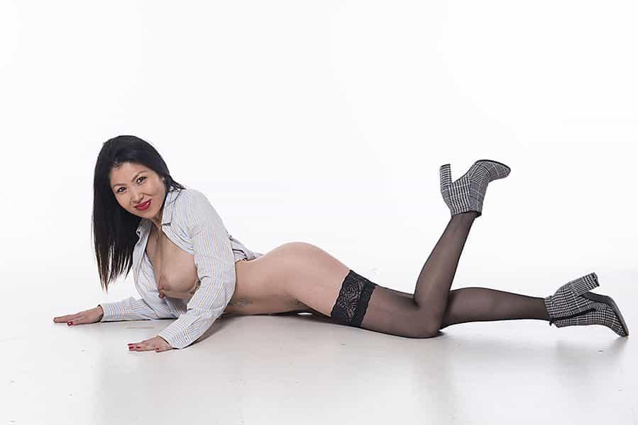 dreamgirls-asian-escorts-athens-zhanna (1)